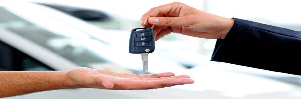 Skup samochodów sosnowiec - Zdjecie z kluczykami firmy